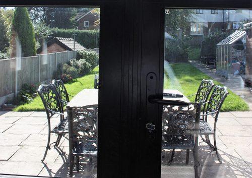 Elegance doors lock