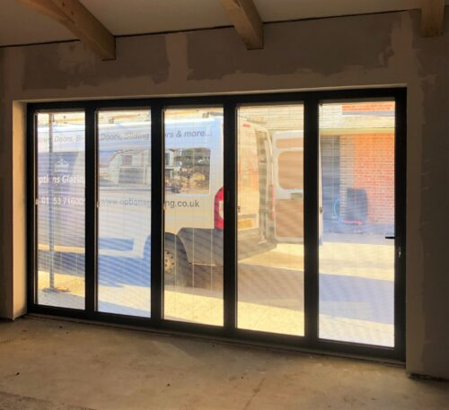 Lincoln folding doors with blinds