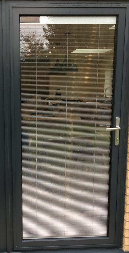 Single doors with inglazed blinds
